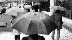 O καιρός σήμερα: Βροχές, πτώση της θερμοκρασίας και χιόνια στα