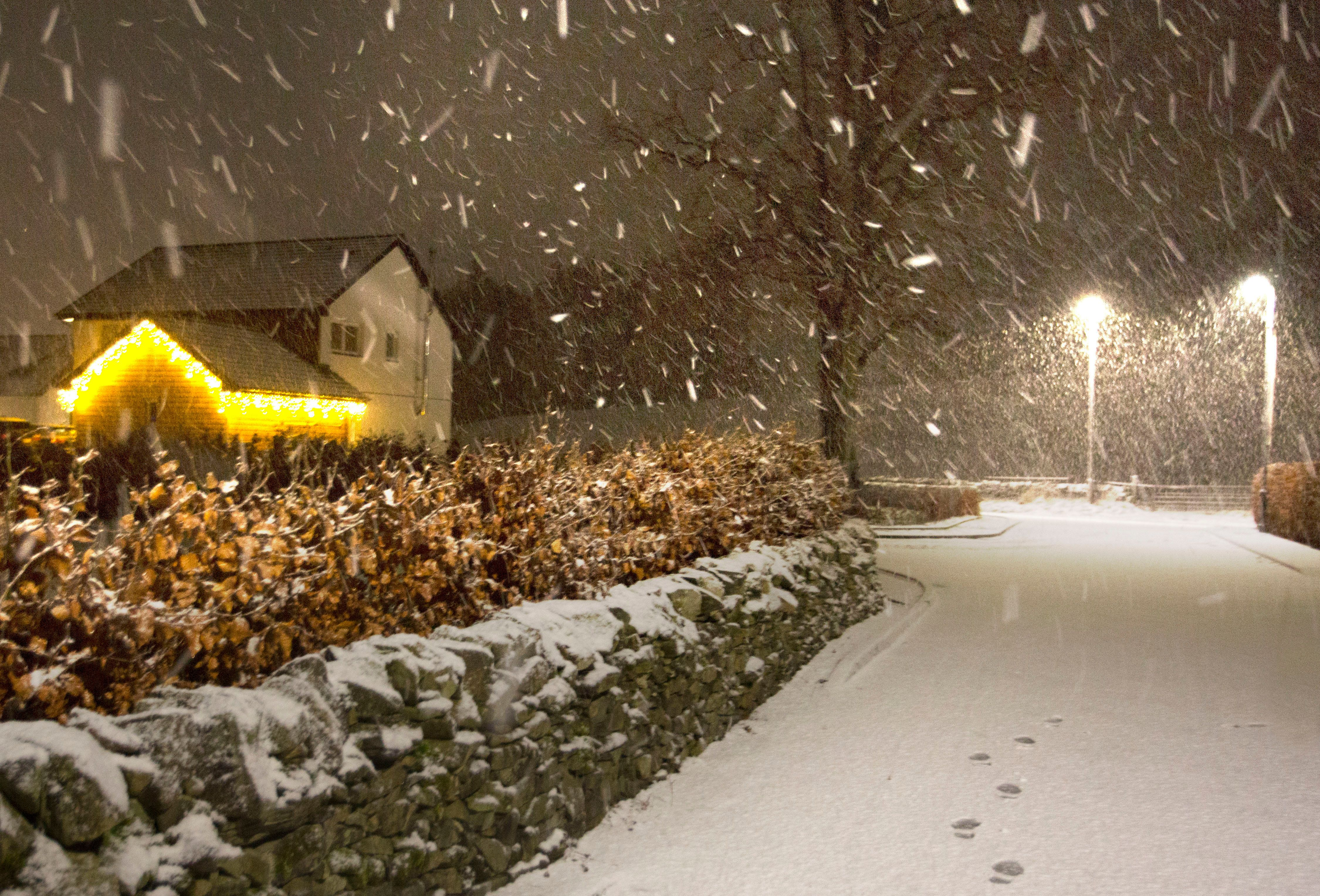 Storm Deirdre Weather Chaos Hits Road, Air Travel And