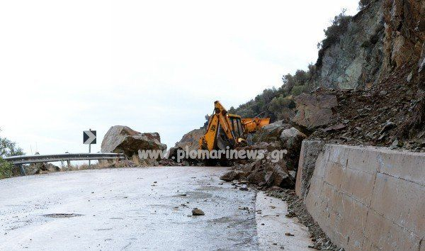 Λέσβος: Οι βροχές έφεραν νέες κατολισθήσεις στο Πλωμάρι (φωτογραφίες -