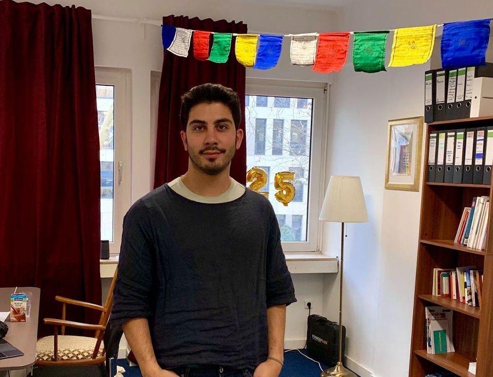 Ali Can in seinem Büro im VielRespektZentrum in Essen.