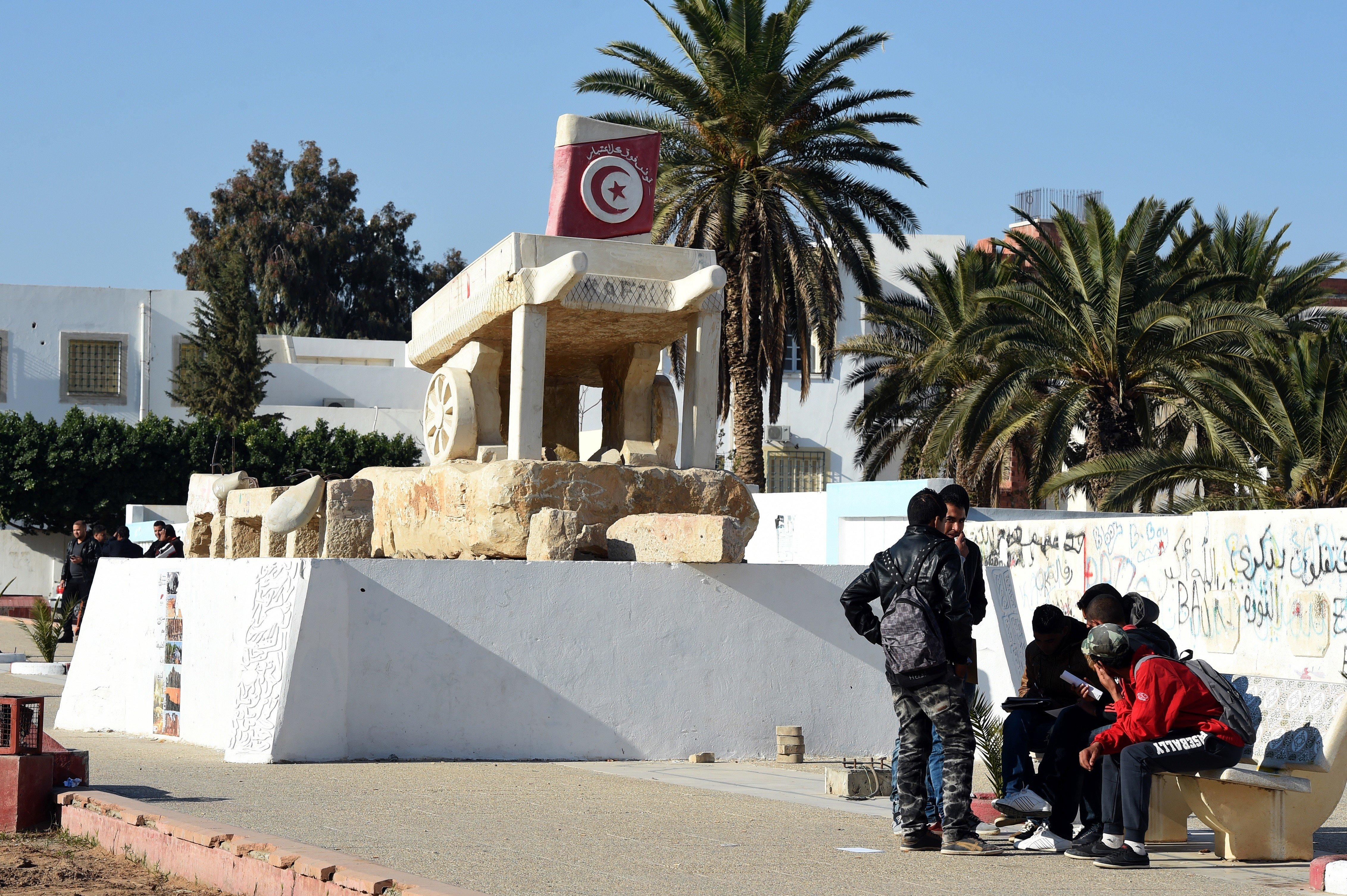 Lieu de départ de la révolution, huit ans après, rien n'a changé à Sidi