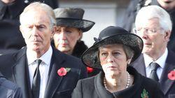 Tony Blair et Theresa May s'écharpent publiquement sur le