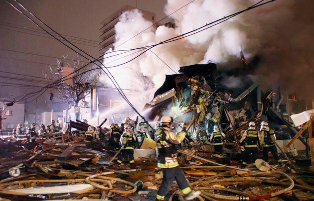 삿포로의 한 식당에서 폭발물이 터져 40여명이