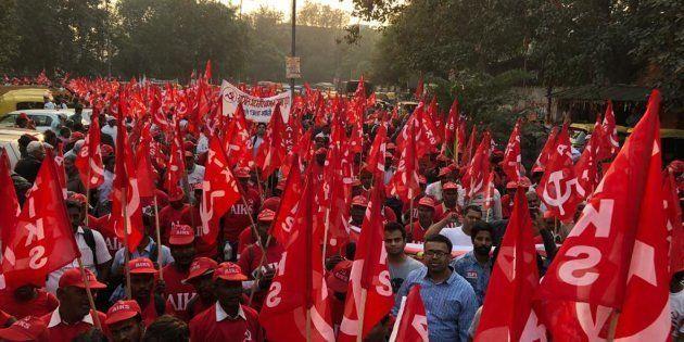 Farmers walking towards Ramlila