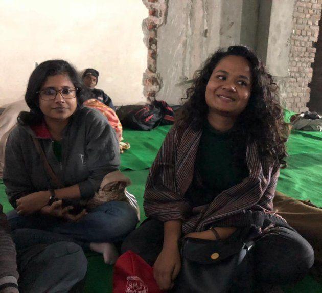 Deepali, a Ph.D. scholar at JNU and her friends were at the Gurudwara to help