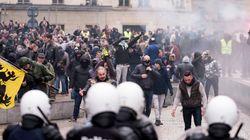 Des opposants au pacte de Marrakech affrontent la police à