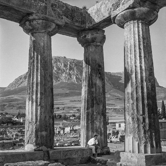 Στον ναό του Απόλλωνα...