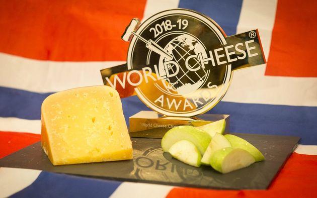 Το καλύτερο τυρί του κόσμου φτιάχνεται από 12 αγελάδες - κι όποιος πρόλαβε,