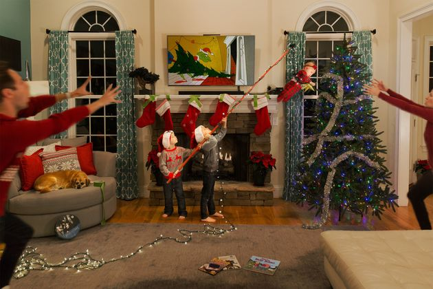 Dad Ditches 'Traditional' Christmas Cards To Show The 'Chaos Of