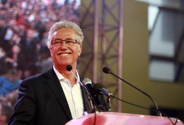 Reconnaissez-vous cet homme politique tunisien dans cette photo prise en