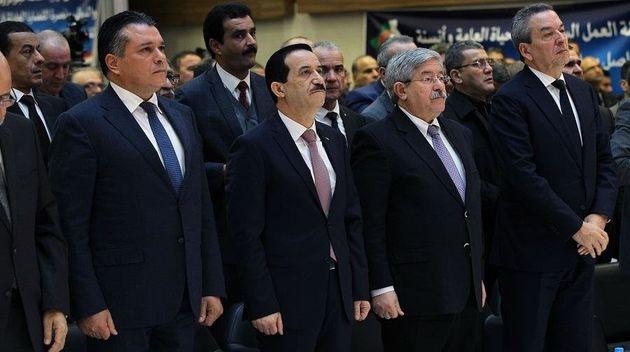 """Les partis politiques algériens toujours prisonniers dans l'avant """"hirak"""""""