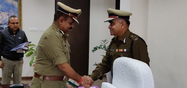 Chhattisgarh's new DGP DM Awasthi with the outgoing DGP