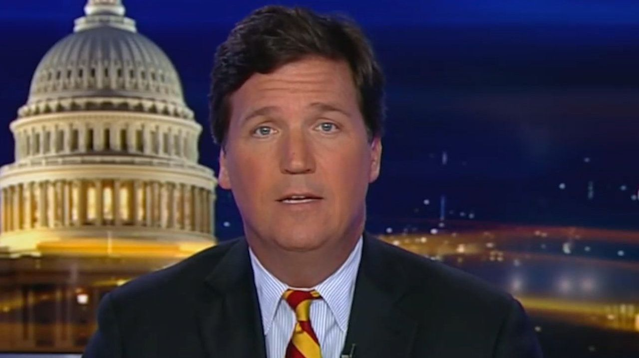 While many advertisers are cutting ties with Fox News' Tucker Carlson, others