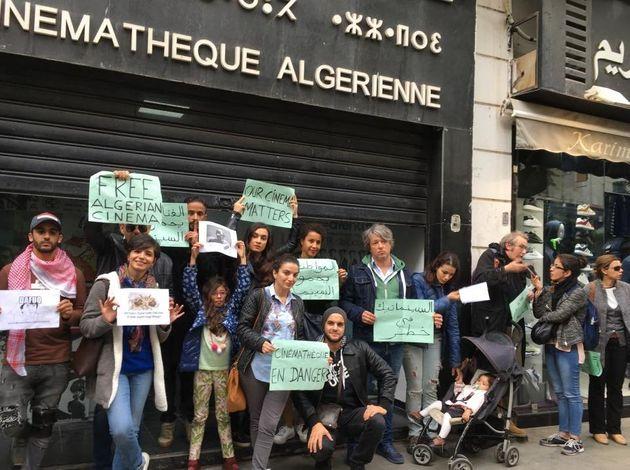 Sit-in devant la cinémathèque algérienne contre la nomination de Salim