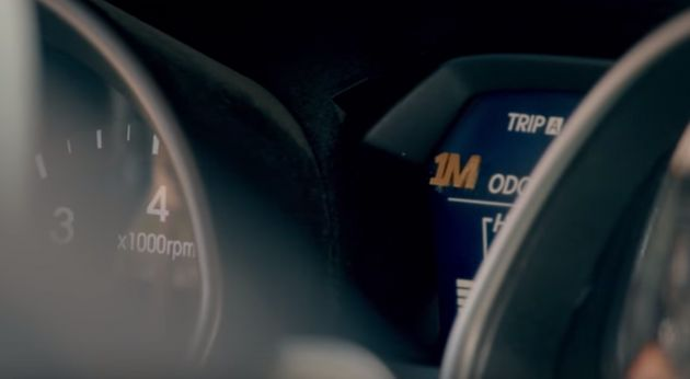 1백만 마일 주행거리가 표시된 헤인스의