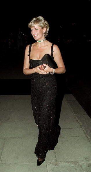 Lady Diana sorgte mit ihrer Kleiderwahl oft für