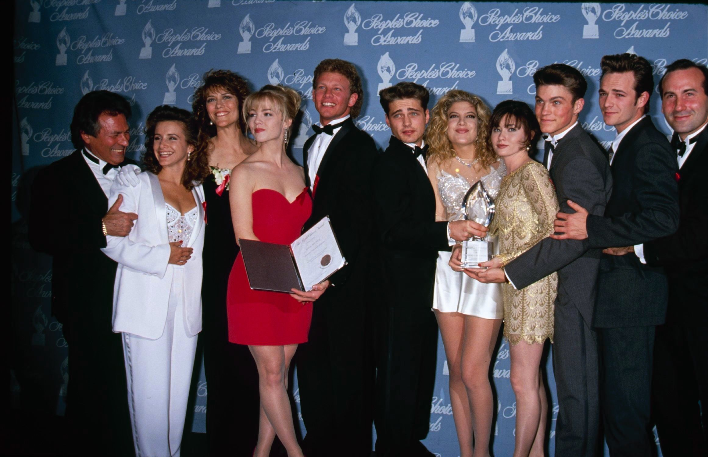 'Beverly Hills, 90210' Reboot Could Be In The Works With Original Cast