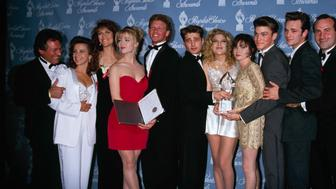 UNITED STATES - Actors Shannen Doherty, Jennie Garth, Ian Ziering, Jason Priestley, Tori Spelling and Luke Perry of 'Beverly Hills 90210' at the People's Choice Awards, 17th March 1992. (Photo by The LIFE Picture Collection/Getty Images)
