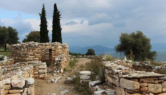 Ραμνούντας: Η άγνωστη, αρχαία πόλη-φρούριο της