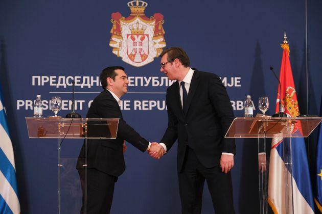 Πιο κοντά Ελλάδα και Σερβία χάρη στη συμφωνία των Πρεσπών, είπαν Τσίπρας και