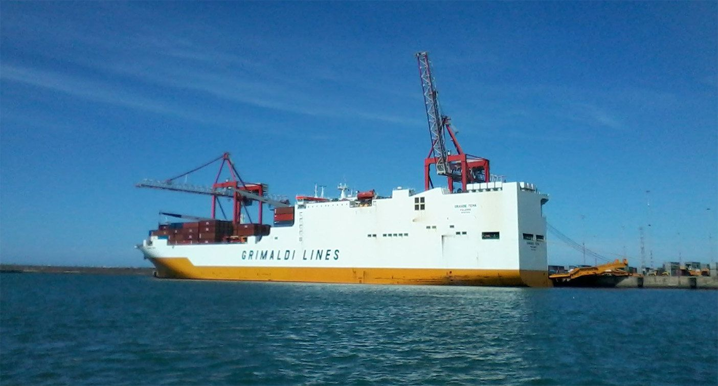 United Kingdom forces retake ship after stowaways threaten crew