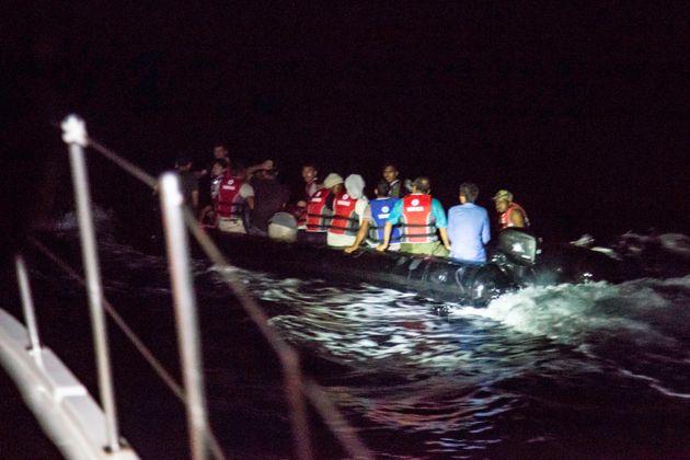 Ολλανδικό κονβόι έρχεται για να πάρει πρόσφυγες από τα ελληνικά