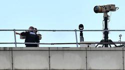 Deux personnes arrêtées après le survol de Gatwick par des