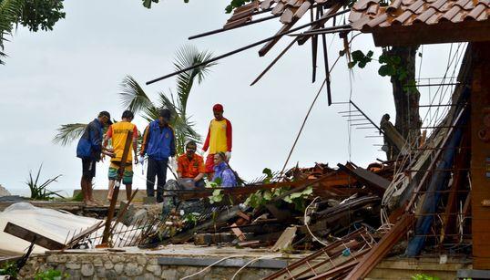 Τσουνάμι χτύπησε την Ινδονησία-Το λάθος των αρχών που κόστισε εκατοντάδες νεκρούς & τραυματίες