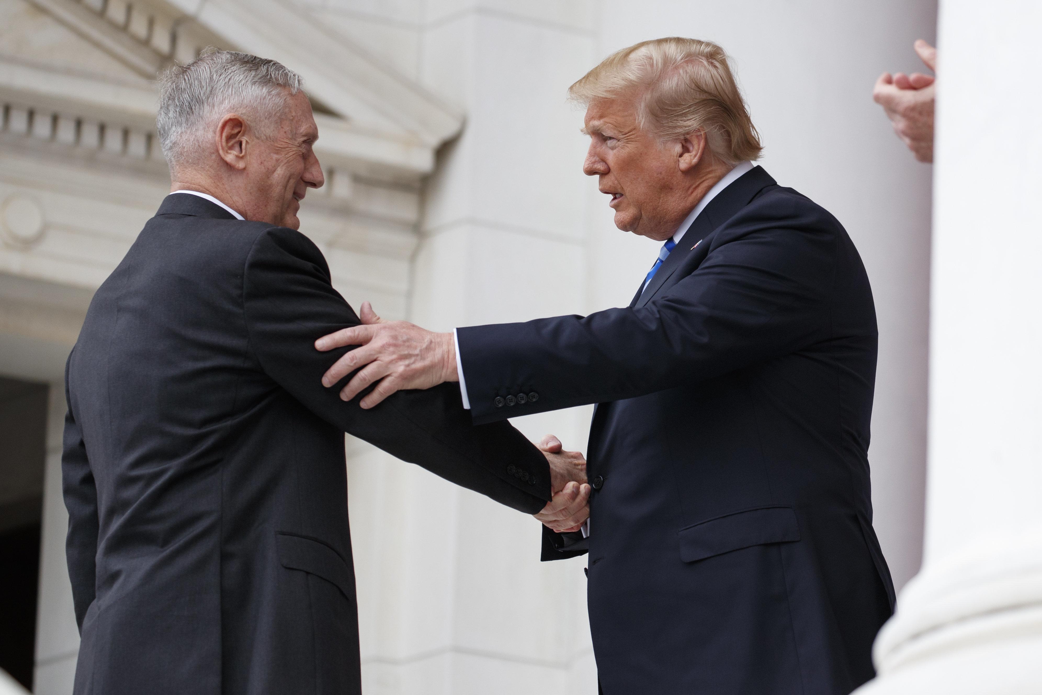 '발끈'한 트럼프가 매티스 국방장관 퇴임 시기를