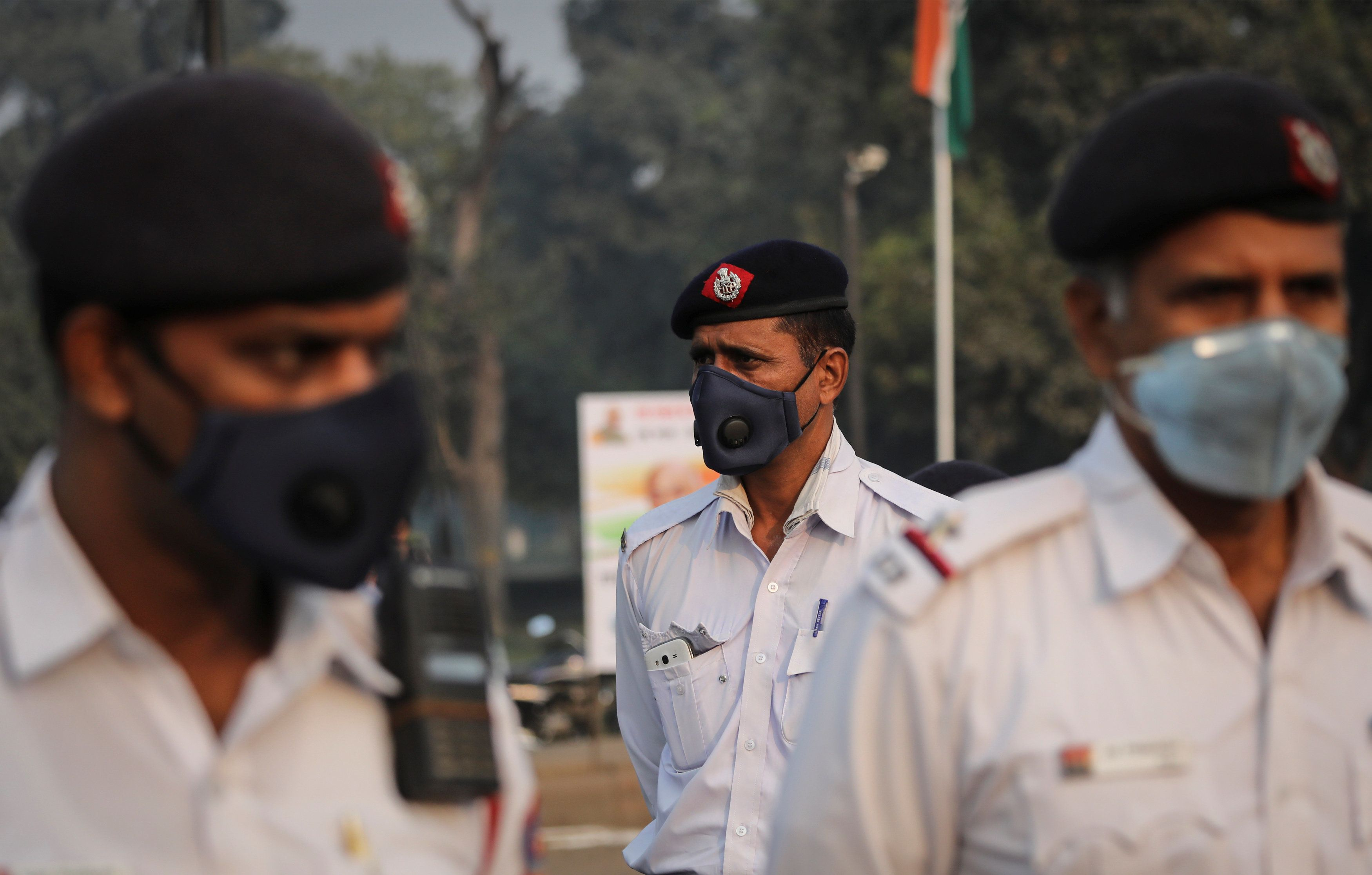 New Delhi faces risky air pollution level