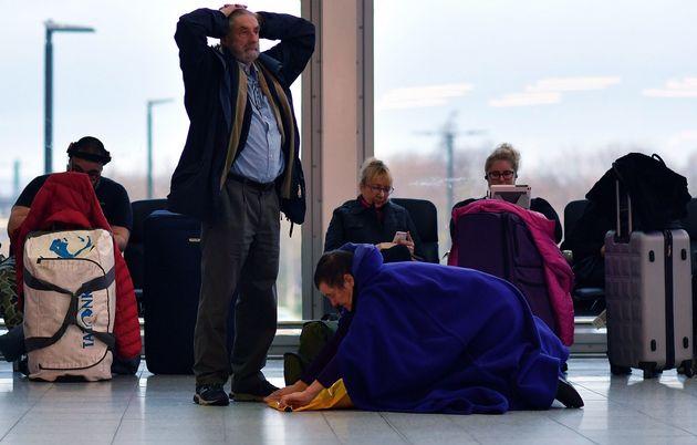 드론은 원래 없었다? 영국 개트윅 공항 마비시킨 '드론