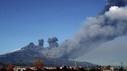 Eruption de l'Etna en Sicile : séismes et colonne de
