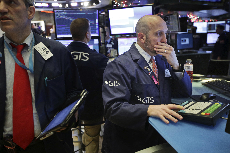 U.S. Stocks Fall Sharply Ahead Of Christmas Holiday