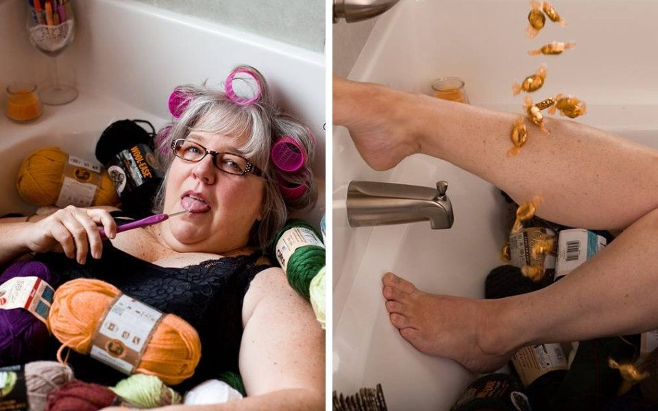 grandma-takes-boudoir-photos-as-a-christmas-present-for-grandpa-and-he-likes-it
