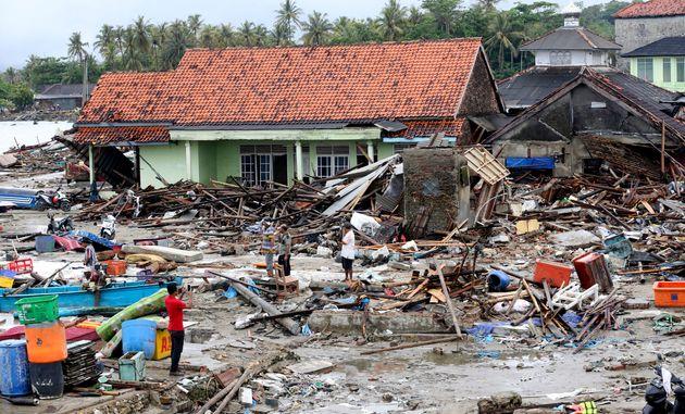 Ινδονησία: Στους 429 οι νεκροί από το τσουνάμι, σύμφωνα με νεότερο