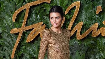 LONDON, ENGLAND - DECEMBER 10: Kendall Jenner  arrives at The Fashion Awards 2018 In Partnership With Swarovski at Royal Albert Hall on December 10, 2018 in London, England. (Photo by Samir Hussein/Samir Hussein/WireImage)