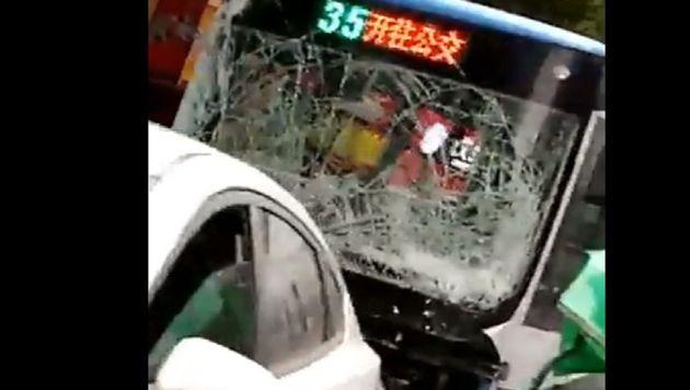 En Chine, un homme armé prend le contrôle d'un bus et tue huit