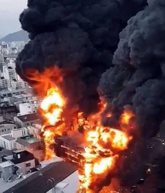 서울 청담동 신축공사장에서 일어난 화재가 인명피해 없이