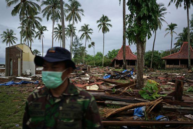 Der Tsunami hat das Gebiet in Indonesien in ein Trümmerfeld verwandelt.