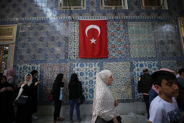 Η Τουρκία πίσω από την ισλαμική