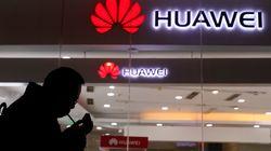 Reuters: Σκέψεις στην κυβέρνηση των ΗΠΑ για απαγόρευση αγορών από Huawei και