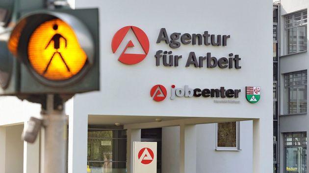 Das System Arbeitslosengeld II, auch Hartz IV genannt, ist bei den Deutschen laut einer Umfrage nicht besonders beliebt.