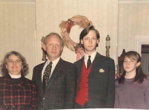Weihnachten: Mann postet altes Familienfoto – ein Detail darauf