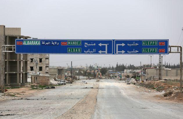 Οι Κούρδοι της Συρίας παρέδωσαν εδάφη στον Άσαντ υπό το φόβο της τουρκικής