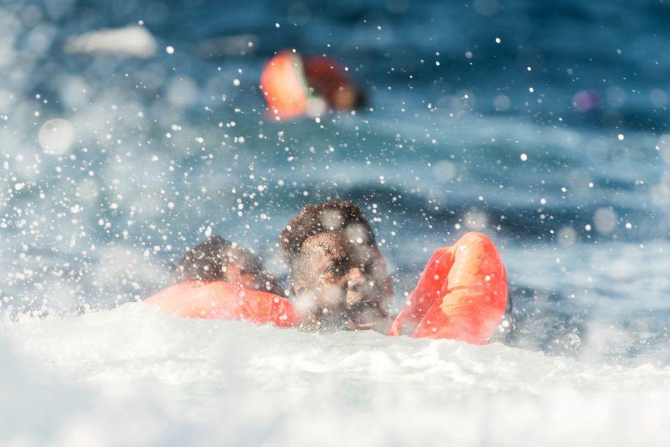 Σε μια εφιαλτική μέρα στη Μεσόγειο, το Aquarius διέσωσε 99 ανθρώπους από μια φουσκωτή βάρκα που βούλιαξε, όμως αγνοείται άγνωστος αριθμός αντρών, γυναικών και παιδιών και θεωρείται ότι έχουν πνιγεί. Επιβεβαιώθηκε ο θάνατος δύο γυναικών. (Ιανουάριος 2018)