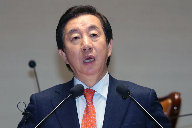 외유성 출장 떠나갔다가 조기 귀국한 한국당 의원이 내놓은