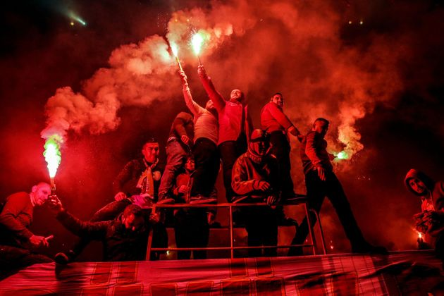 Galatasaray-Fans bei einer Trainingseinheit ihrer Mannschaft, Archivbild.