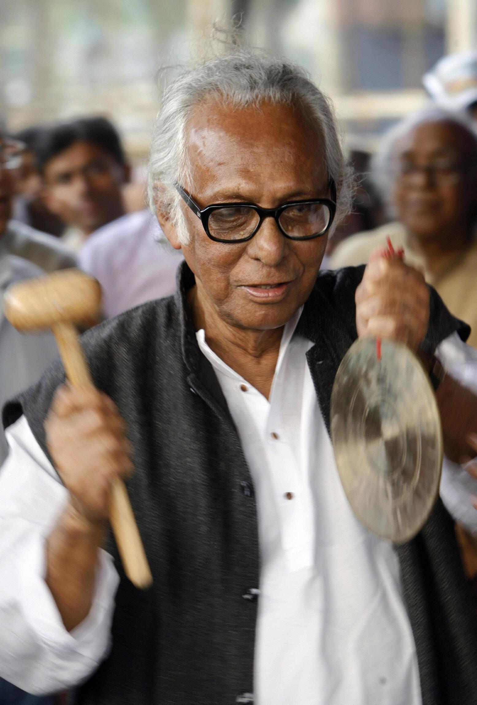 Acclaimed Bengali Filmmaker Mrinal Sen Dies at