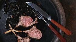 Τι αποκαλύπτει το πώς τοποθετείτε τα μαχαιροπίρουνα όταν τελειώσετε το