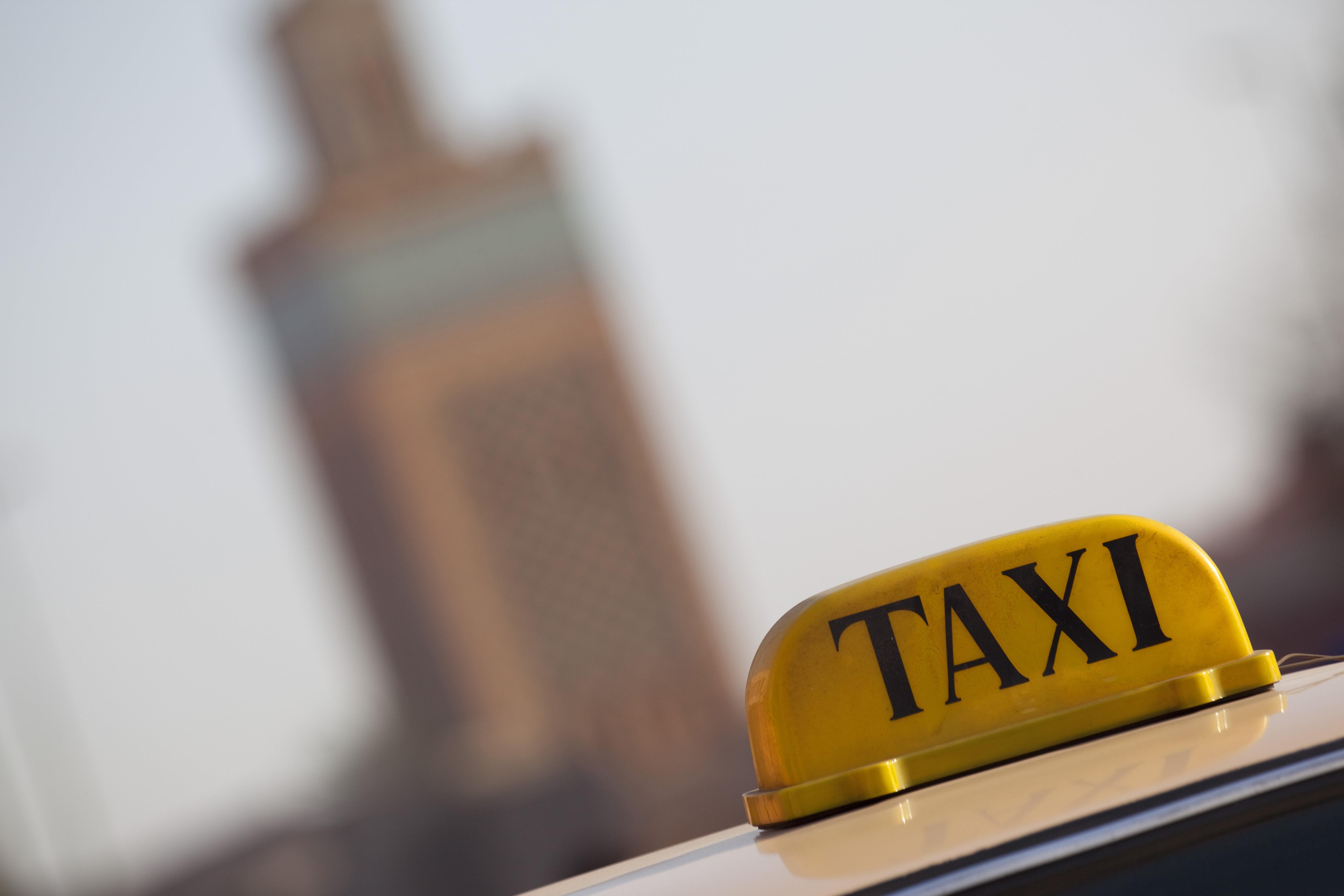 BLOG- Fêtes de fin d'année et galères avec les petits taxis à